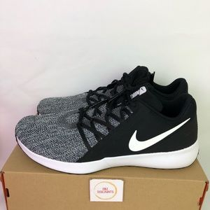 Nike Varsity Compete Trainer New Size 14